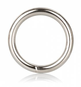 Roger Metal Ring Medium