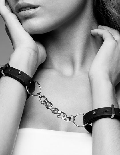 Maze Thin Handcuffs - Black